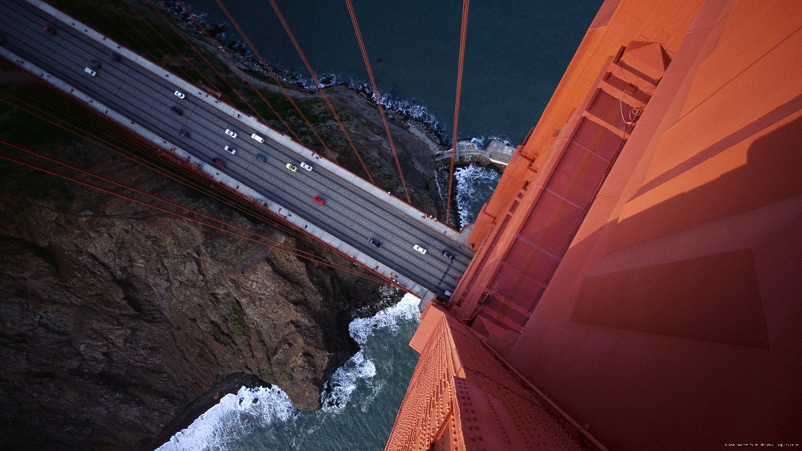 2560x1440 Golden Gate Bridge Shot From The Top for