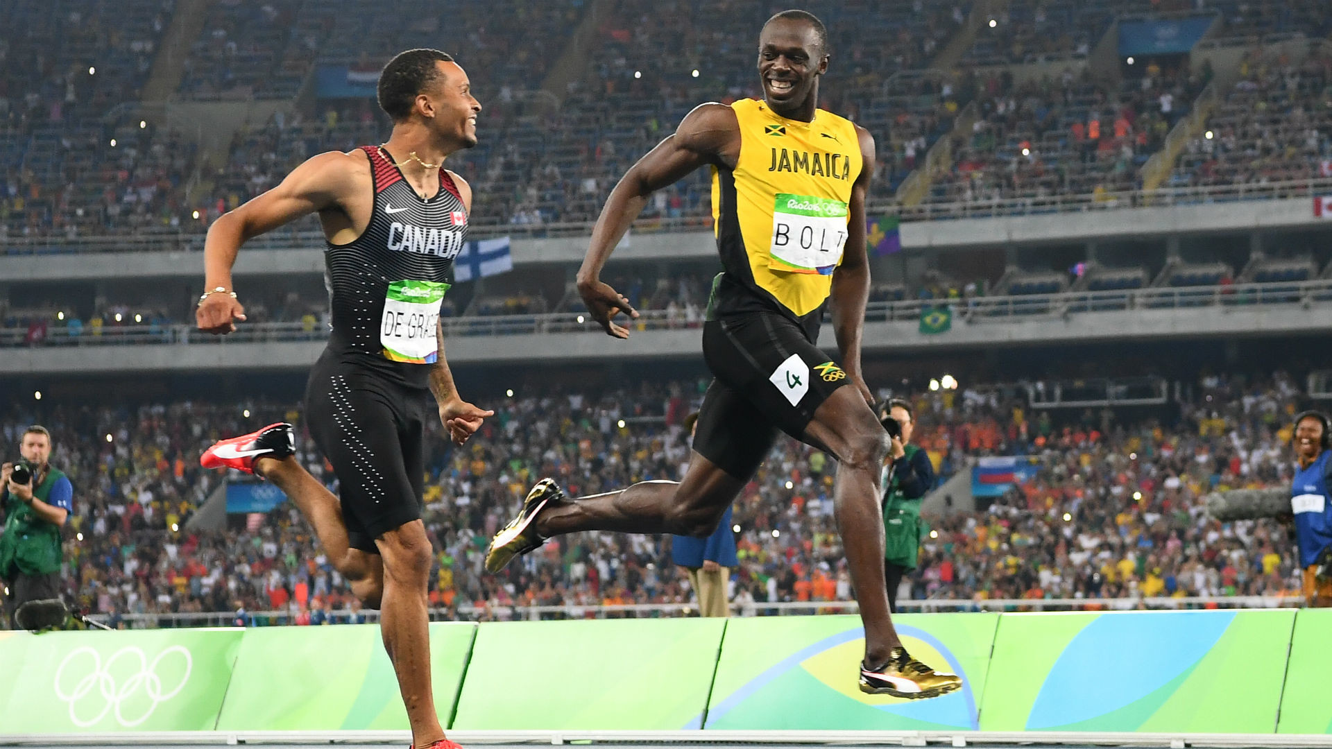 1920x1080 In the semifinals of the 200, de Grasse was beating Bolt until Bolt jetted  through the final third of the race, then turned to de Grasse and gave him  a wave ...
