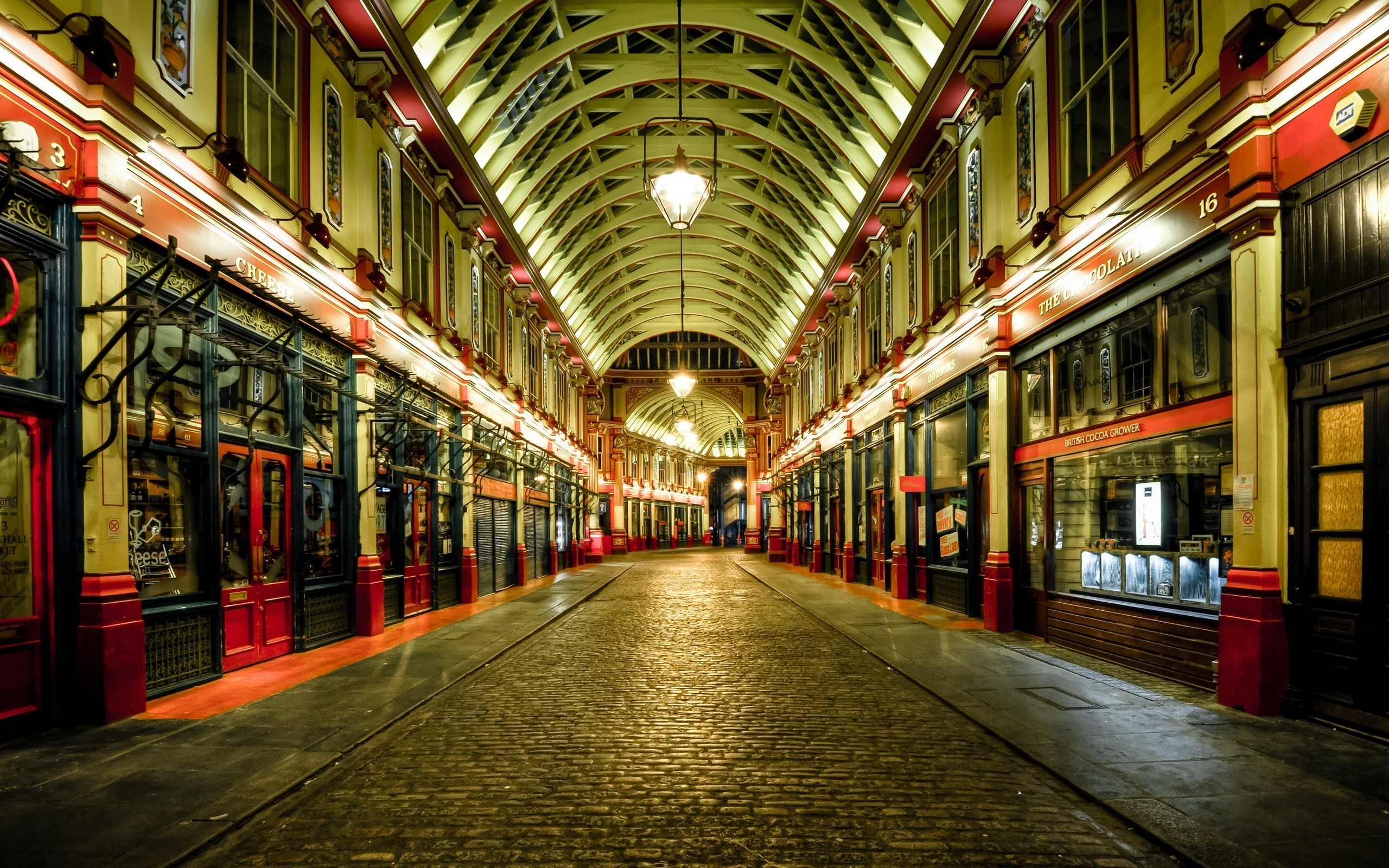 2560x1600 Streets of London at night wallpapers and images - wallpapers, pictures,  photos