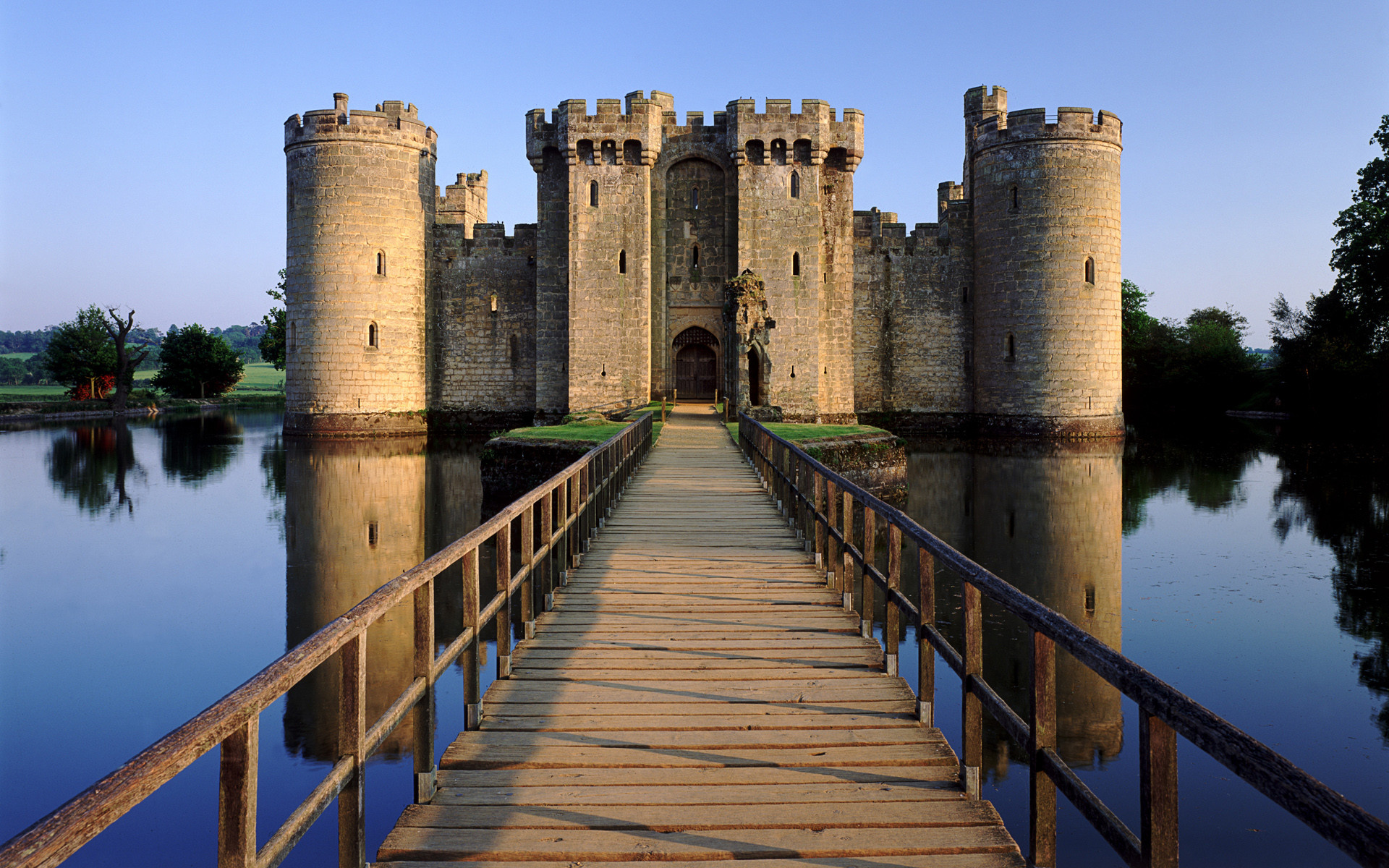 1920x1200 Bodiam Castle, East Sussex, UK
