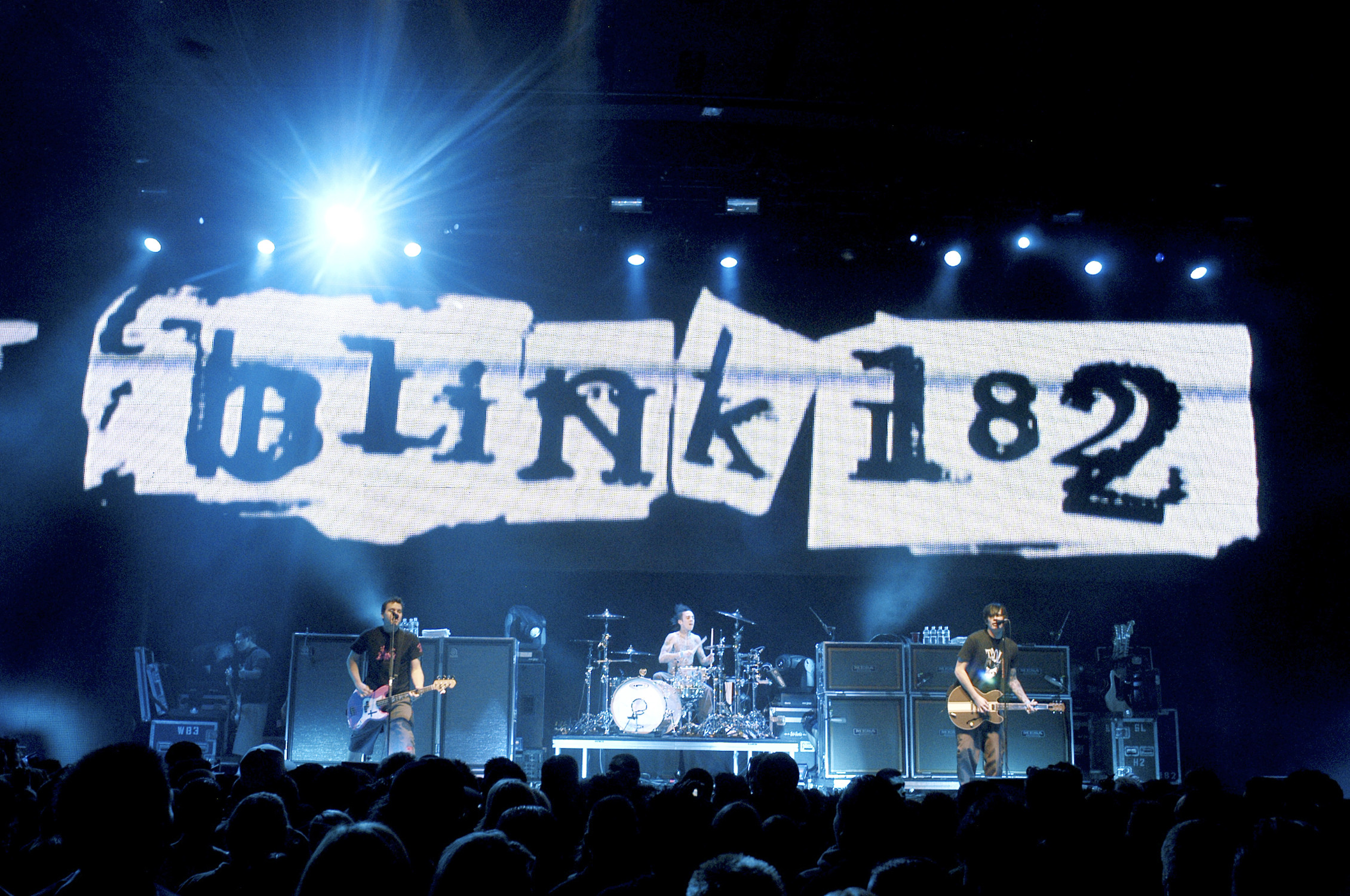 2260x1501 wallpaper.wiki-Blink-182-Wallpapers-PIC-WPE0010056