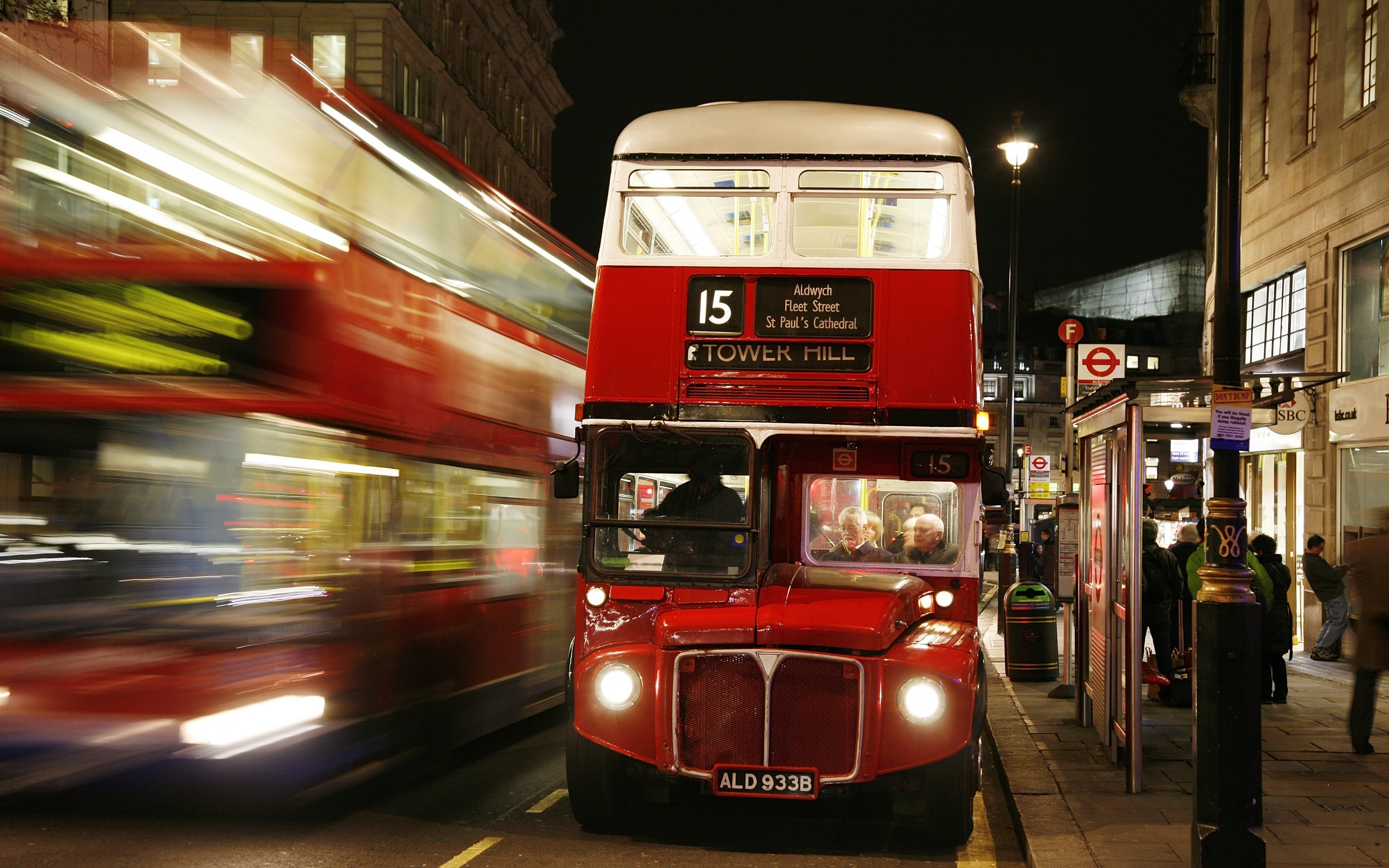 2560x1600 London england bus night lights people blur Passengers driver street road  lantern city wallpaper |  | 76560 | WallpaperUP