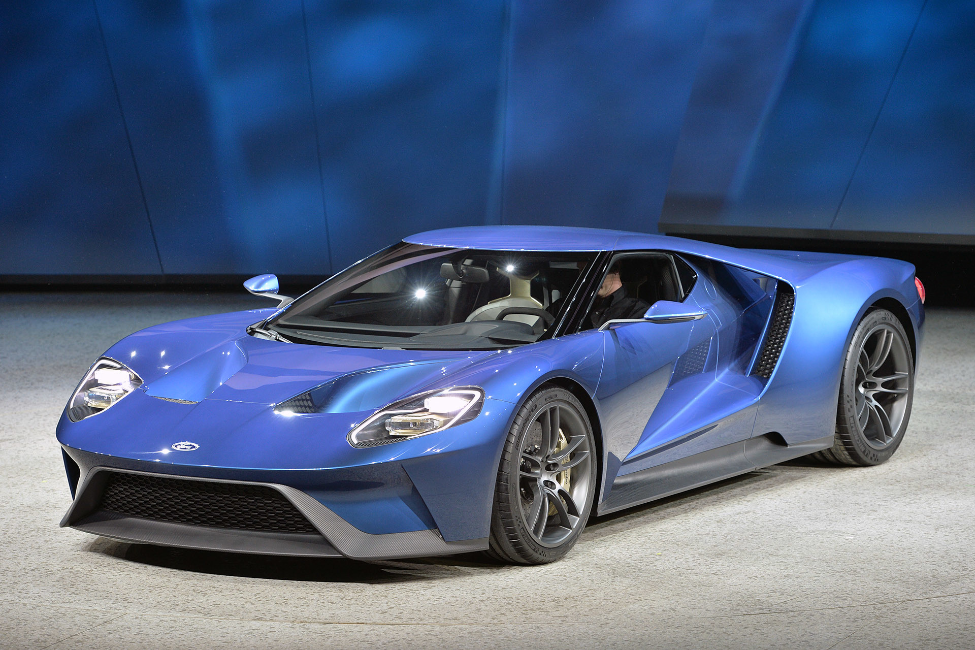 1920x1280 2017 Ford GT HD Images