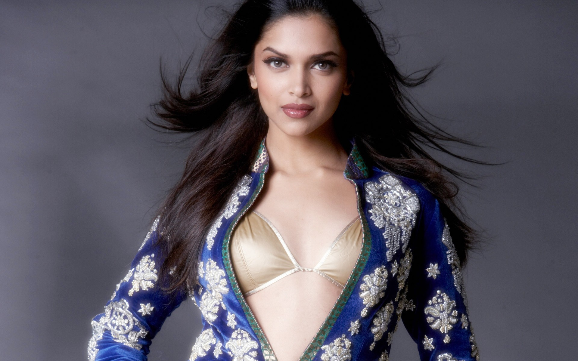 1920x1200 Hot and Beautiful Hindi Picture Film Heroine Deepika Padukone Stylist  Picture