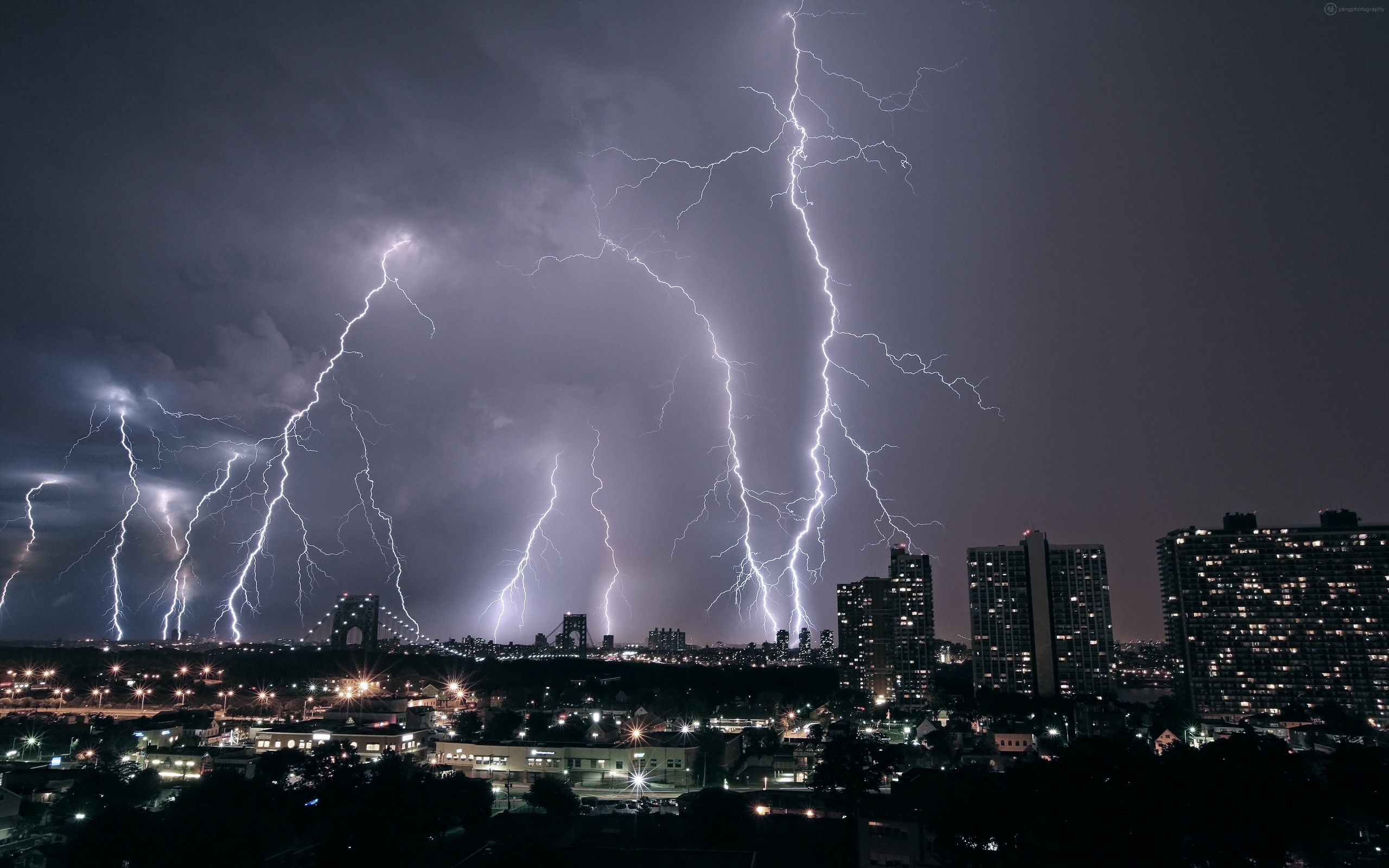2560x1600 Quality Cool Lightning Wallpapers