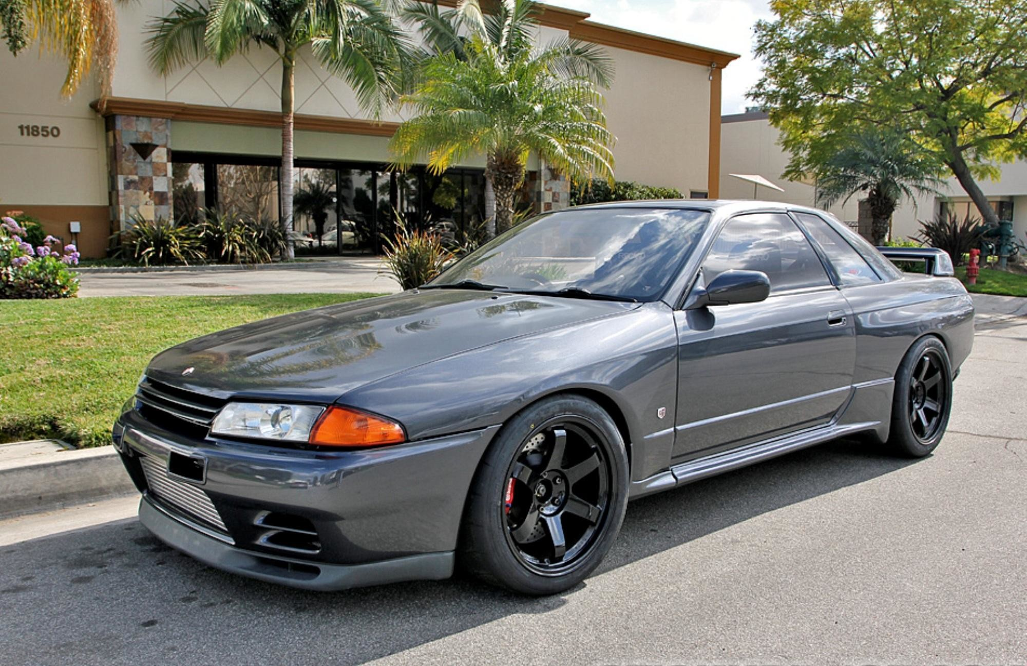 2000x1297 Another one of the top 3 cars I want to have. Nissan Skyline GT-R.