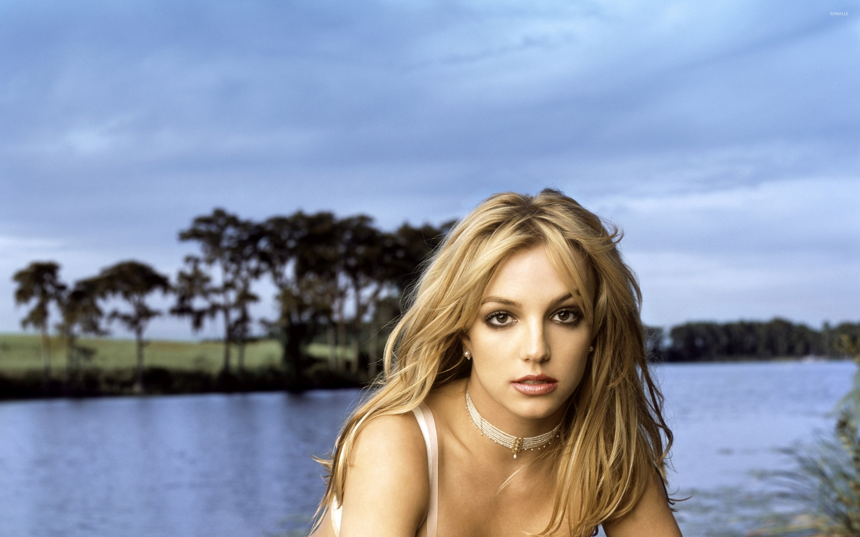 2880x1800 Britney Spears [21] wallpaper