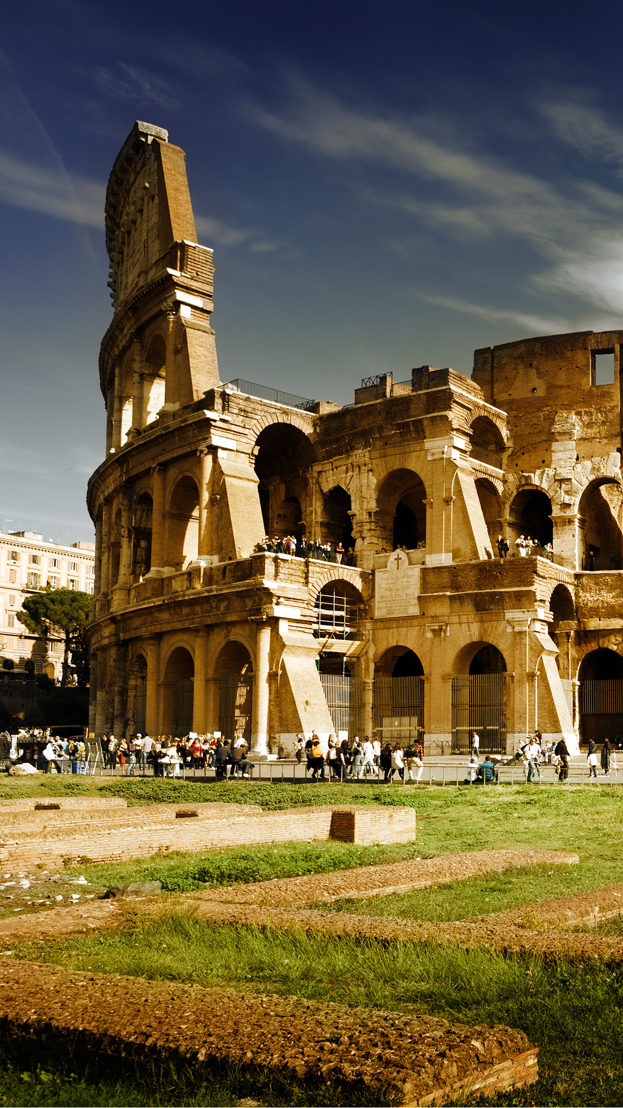 1242x2208 Italia-Colosseum-3Wallpapers-Parallax-iPhone