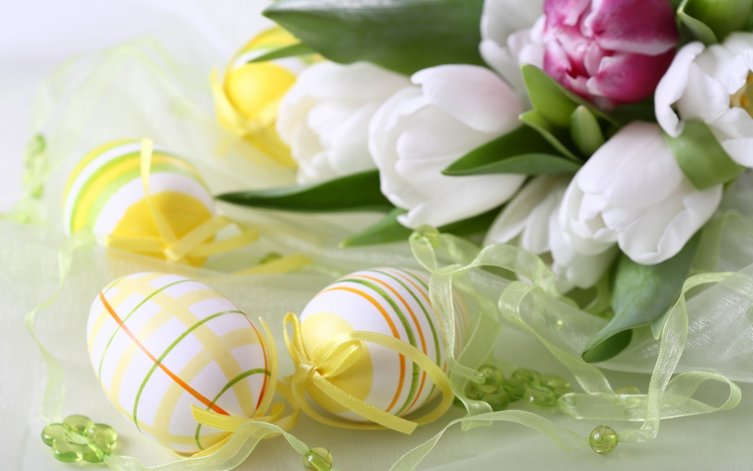 2560x1600 Easter Tulips and Decorations wallpaper