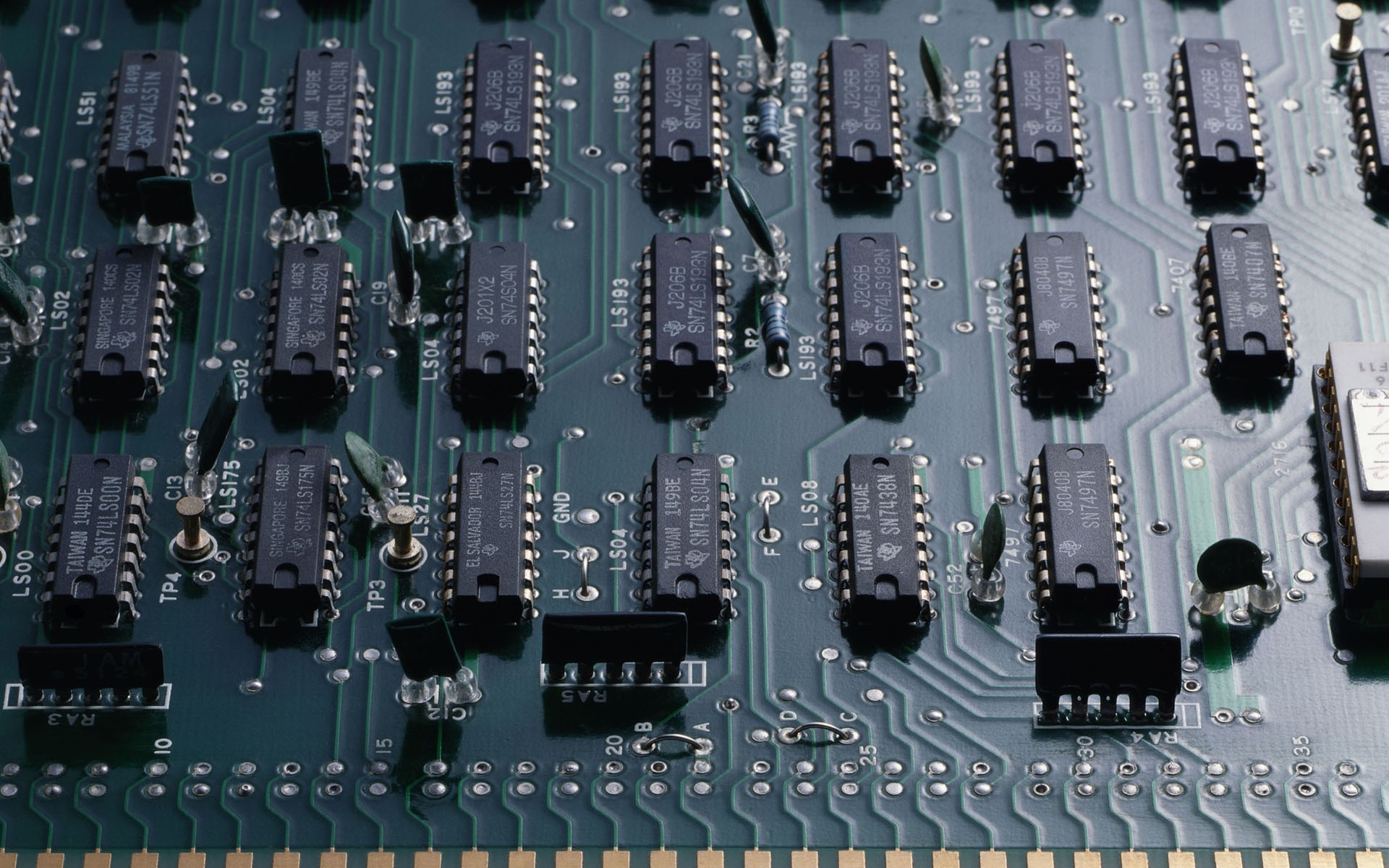 1920x1200 Computer chips circuit board