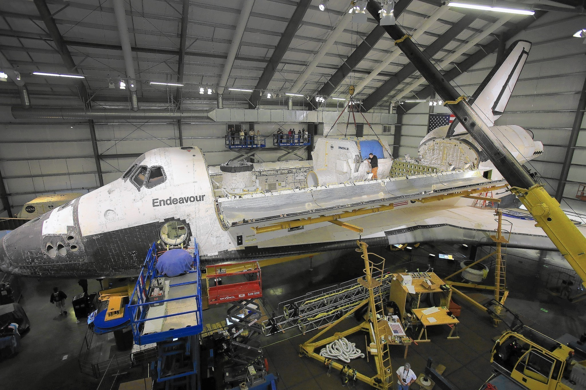 2048x1365 Images of Space Shuttle Endeavour |