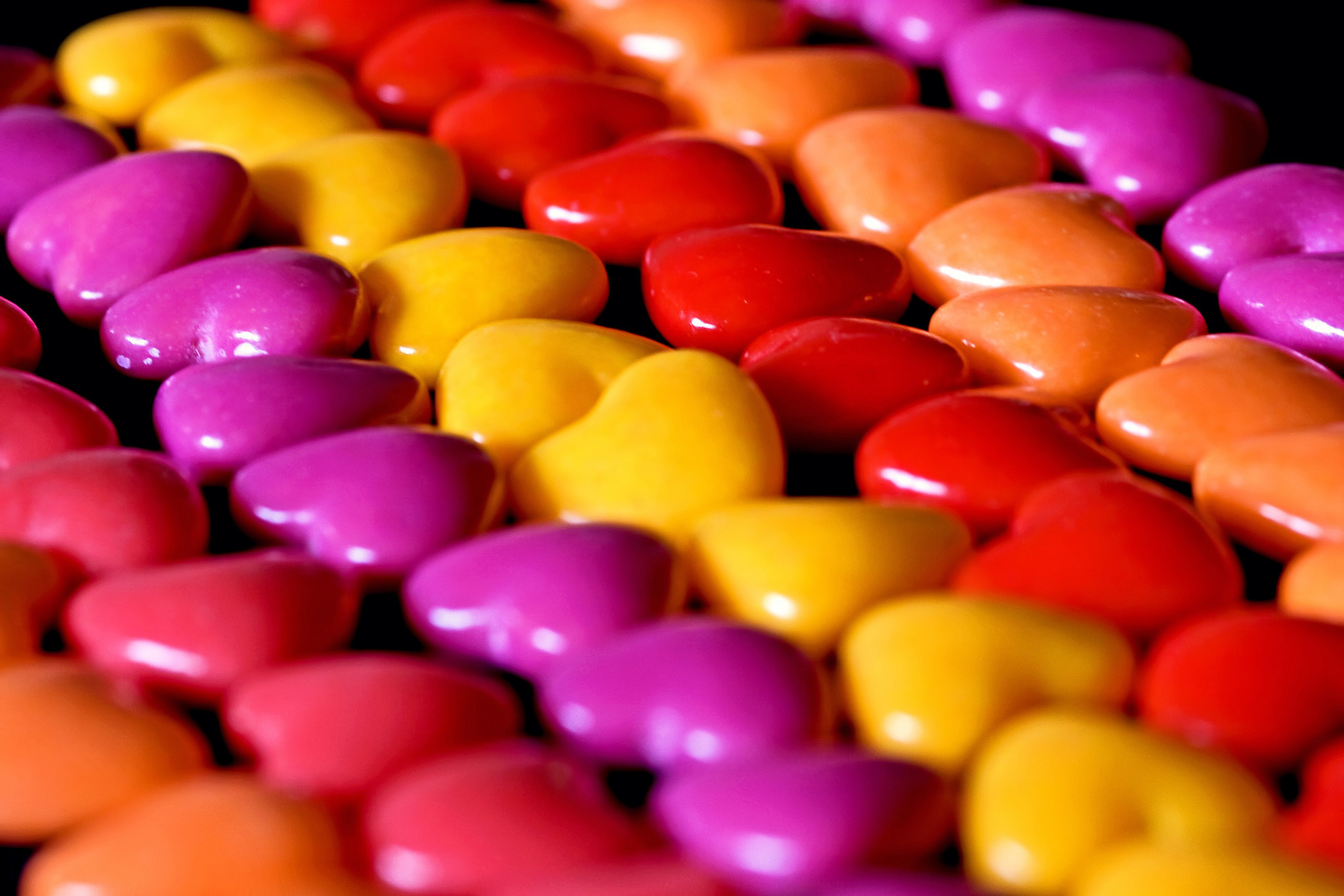 2048x1365 Candy jelly beans hearts close-up bokeh wallpaper |  | 162698 |  WallpaperUP