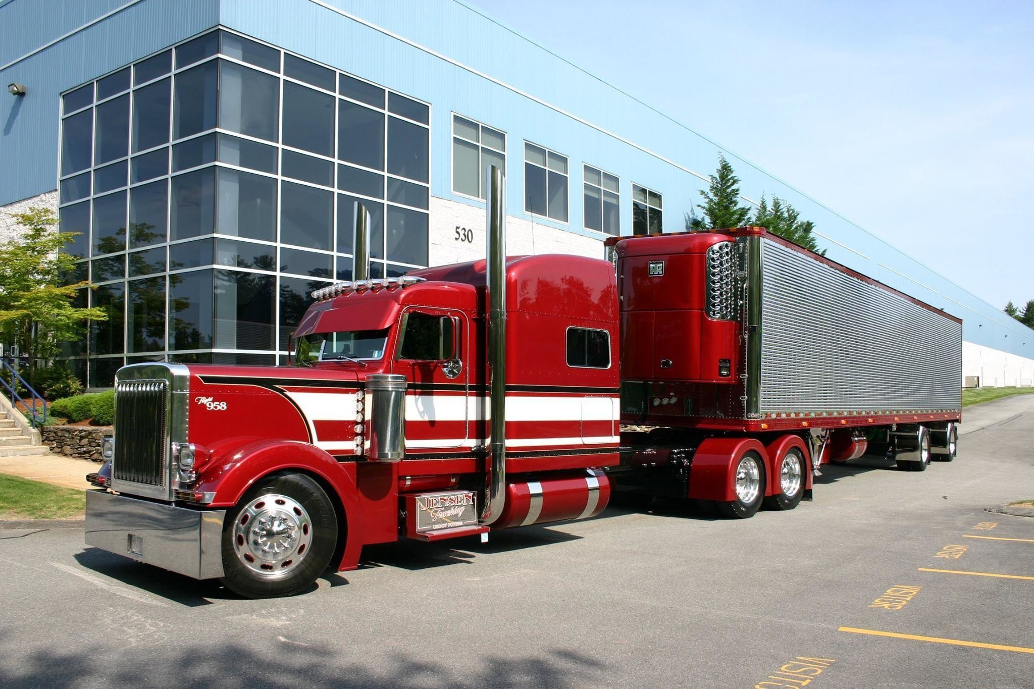 2048x1365 peterbilt wallpaper #881240
