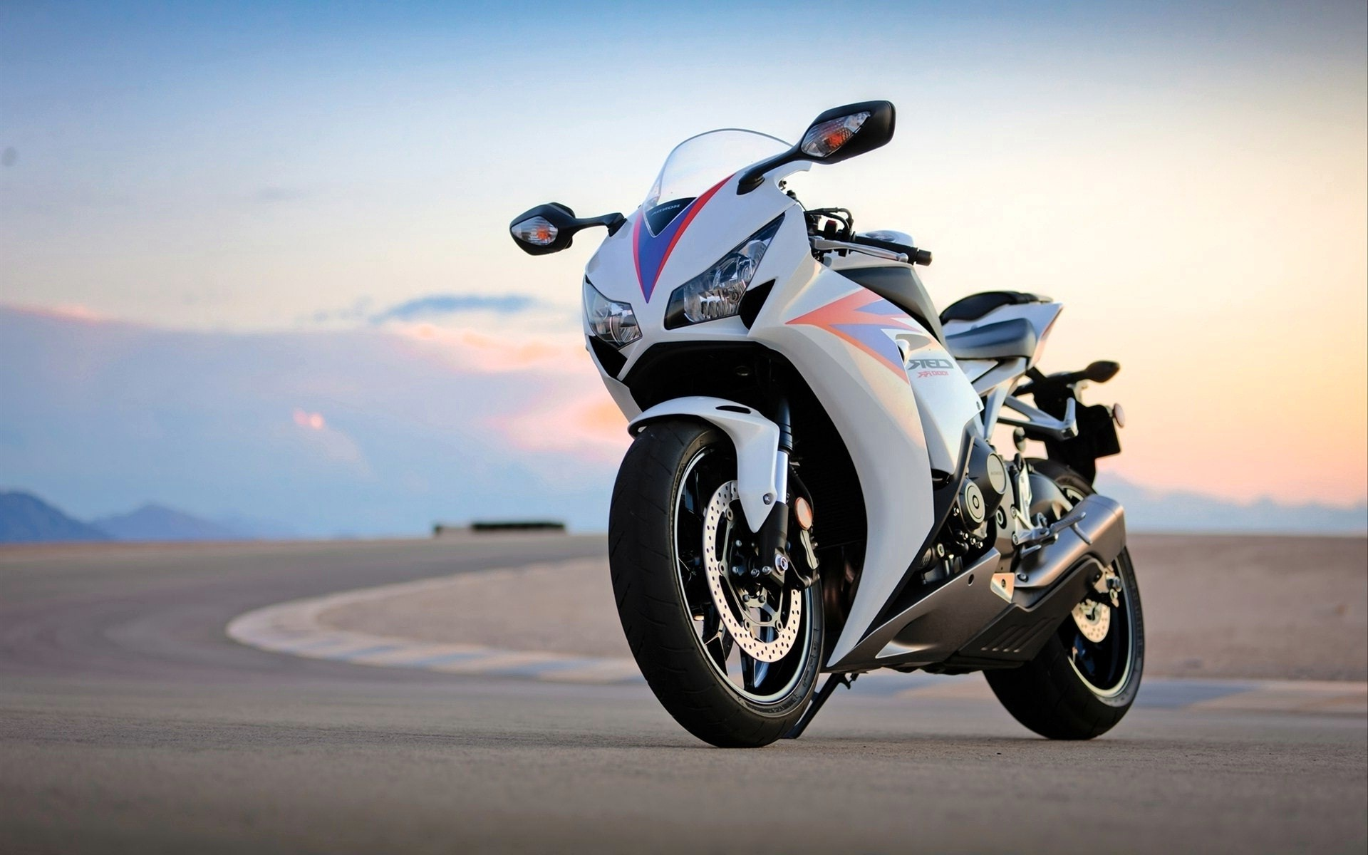Sports Bikes Wallpapers (72+ Images