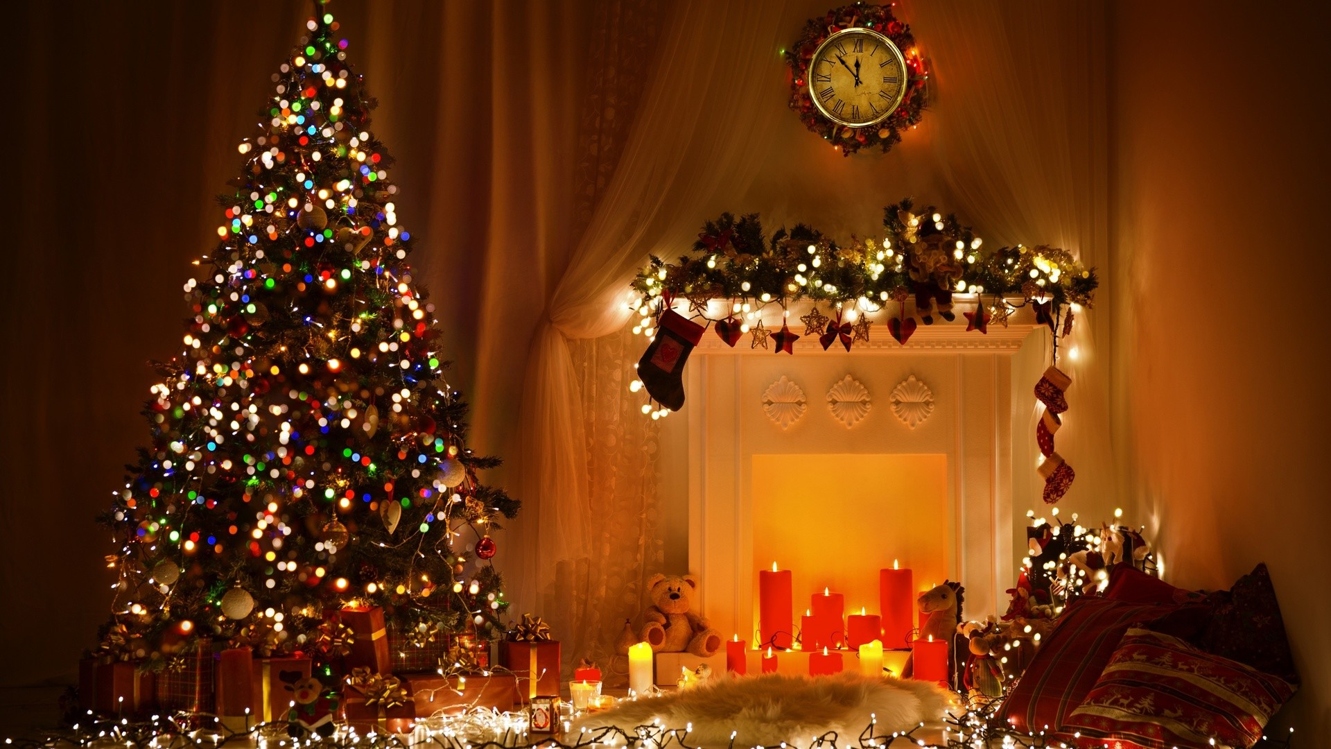 1920x1080 Preview Wallpaper New Year Christmas Tree City Ornaments Garlands Balloons