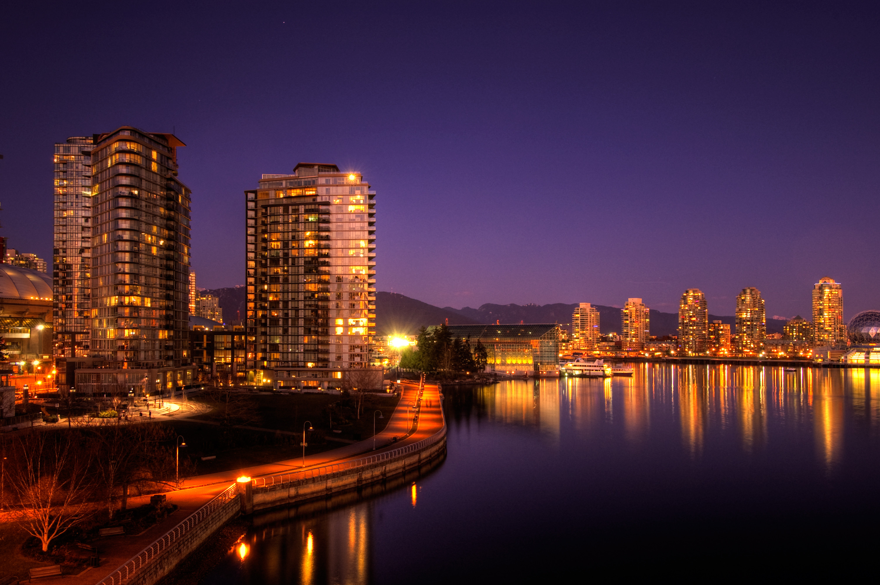3008x2000 Daily Wallpaper: Vancouver, False Creek [Exclusive] | I Like To Waste My  Time