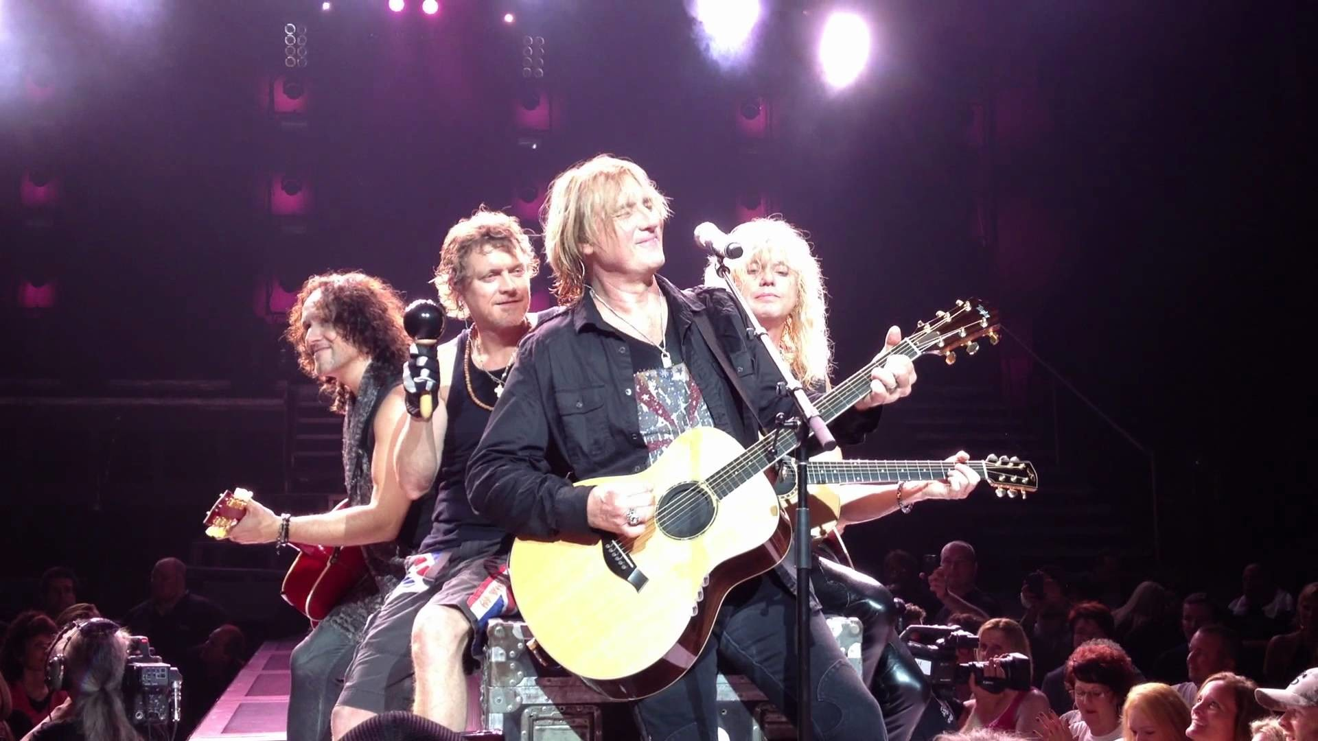 1920x1080 Def Leppard - Acoustic Medley (Live, Mansfield, MA, 2012)