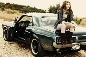 beautiful Girls and Muscle Cars Wallpaper 1920x1440 ipad pro